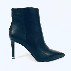 Kenneth Cole Riley Black Leather Ankle Booties